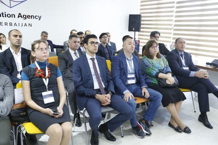 Bakı Elektron Ticarət Forumu davam edir - FOTO, fotoşəkil-2