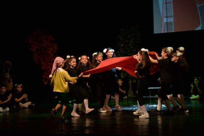 """Bakı məktəbliləri Rus Dram Teatrında """"Pinokkio""""nu oynadılar - FOTO, fotoşəkil-5"""