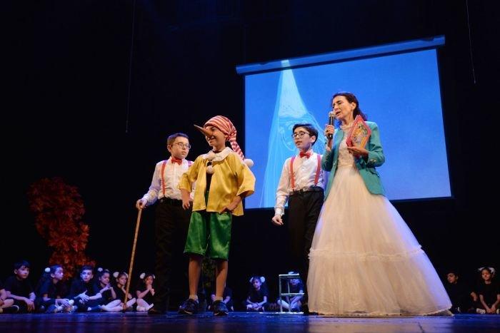 """Bakı məktəbliləri Rus Dram Teatrında """"Pinokkio""""nu oynadılar - FOTO, fotoşəkil-4"""