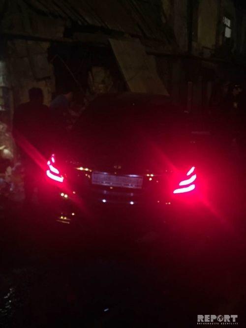 """""""Mercedes-Maybach"""" Bakının mərkəzində yaşayış evinə girdi - FOTO + VİDEO, fotoşəkil-2"""