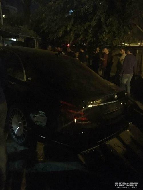 """""""Mercedes-Maybach"""" Bakının mərkəzində yaşayış evinə girdi - FOTO + VİDEO, fotoşəkil-4"""