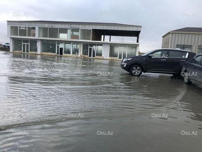 """""""Binə"""" ticarət mərkəzi su altında qaldı - FOTO, fotoşəkil-3"""