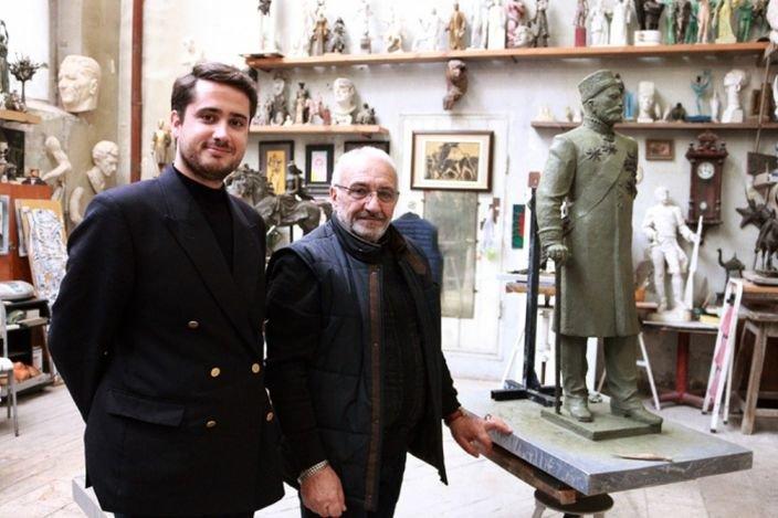 Tağıyevin kötükcəsi Bakıda ulu babasının heykəlini hazırlayan heykəltəraşla görüşüb - FOTO, fotoşəkil-1