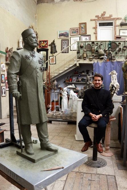 Tağıyevin kötükcəsi Bakıda ulu babasının heykəlini hazırlayan heykəltəraşla görüşüb - FOTO, fotoşəkil-4