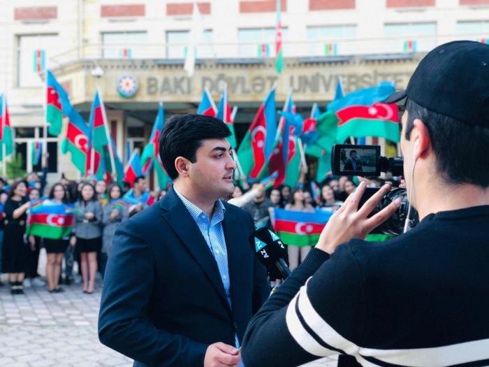 Bakıda tələbələrin möhtəşəm bayraq fleşmobu - FOTO, fotoşəkil-3
