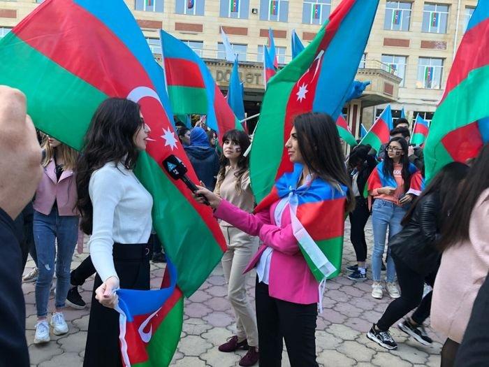 Bakıda tələbələrin möhtəşəm bayraq fleşmobu - FOTO, fotoşəkil-4