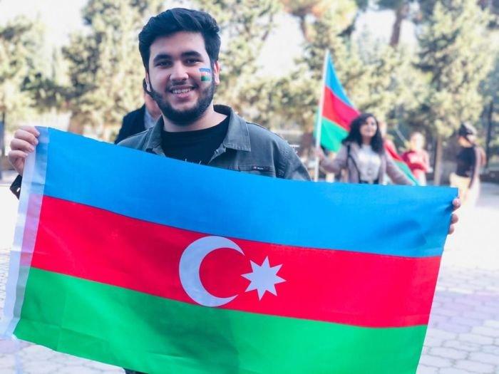 Bakıda tələbələrin möhtəşəm bayraq fleşmobu - FOTO, fotoşəkil-7