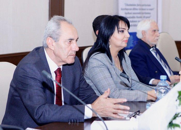 """Bakıda kitab təqdimatı: Nəsiminin 40 qəzəli """"YouTube""""a yüklənəcək - FOTO, fotoşəkil-1"""