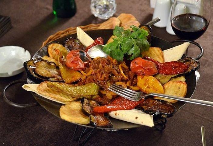 Bakıda saciçi verən restoranlar - SİYAHI + QİYMƏT, fotoşəkil-2
