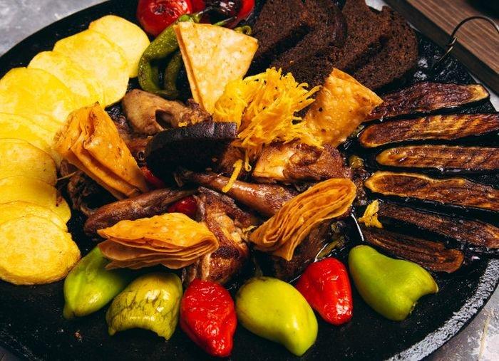 Bakıda saciçi verən restoranlar - SİYAHI + QİYMƏT, fotoşəkil-1