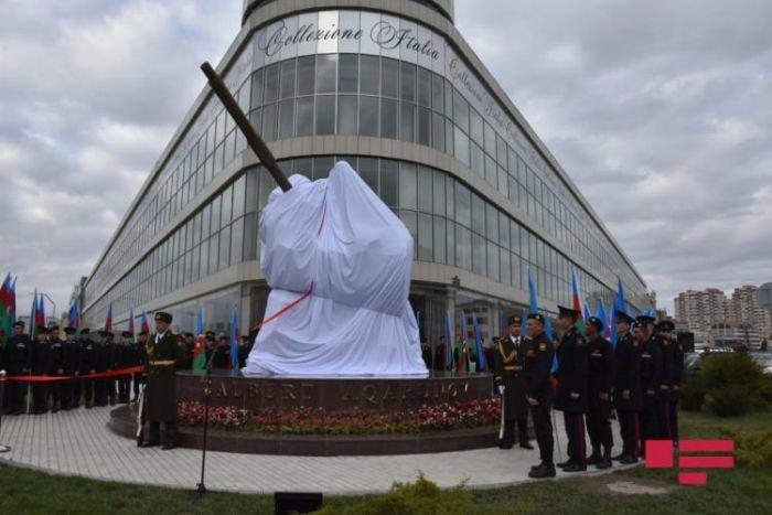 Bakıda Milli Qəhrəman Albert Aqarunovun abidəsi açıldı - FOTO, fotoşəkil-1