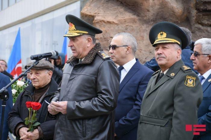 Bakıda Milli Qəhrəman Albert Aqarunovun abidəsi açıldı - FOTO, fotoşəkil-5