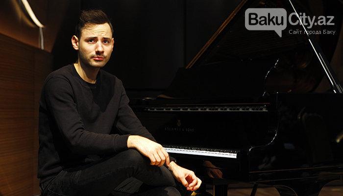 """Məşhur pianoçu Peter Bens Bakıda: """"Azərbaycan mətbəxindən çox xoşum gəlir"""" - FOTO + VİDEO, fotoşəkil-1"""
