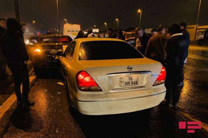 Bakıda 7 avtomobil bir-birinə dəydi: yaralılar var - FOTO + VİDEO, fotoşəkil-3