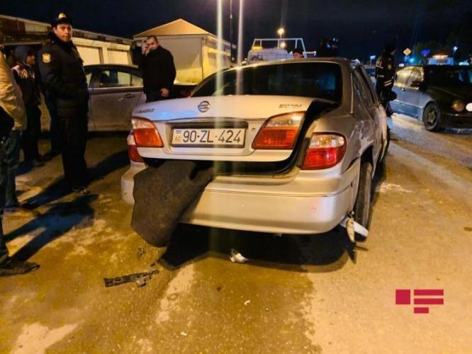 Bakıda qadın sürücünün səhvi: 4 avtomobil toqquşdu - FOTO + VİDEO, fotoşəkil-9