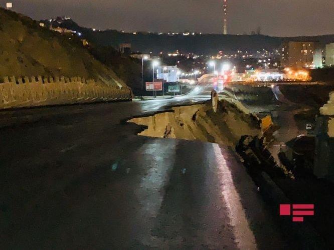 Bakıda yağışdan sonra dəhşətli torpaq sürüşməsi - FOTO + VİDEO, fotoşəkil-1