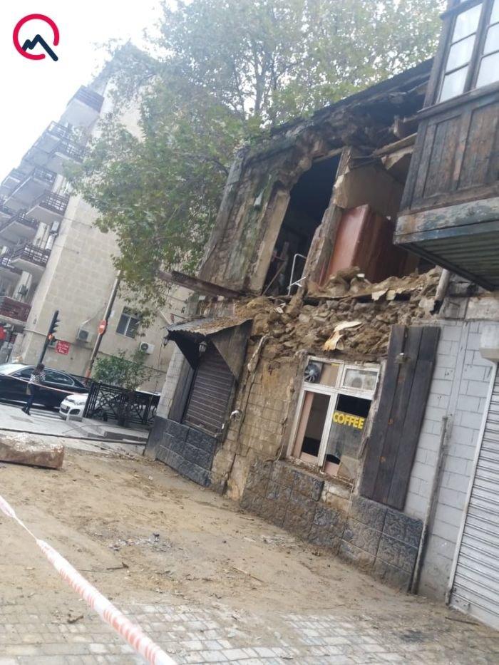 Bakının mərkəzində bina dağıldı - FOTO + VİDEO, fotoşəkil-2
