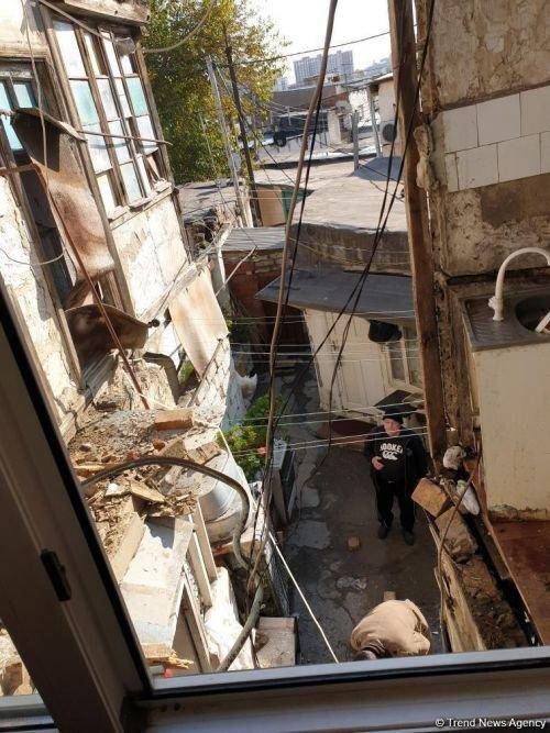 Bakıda daha bir ev dağıldı - FOTO, fotoşəkil-2