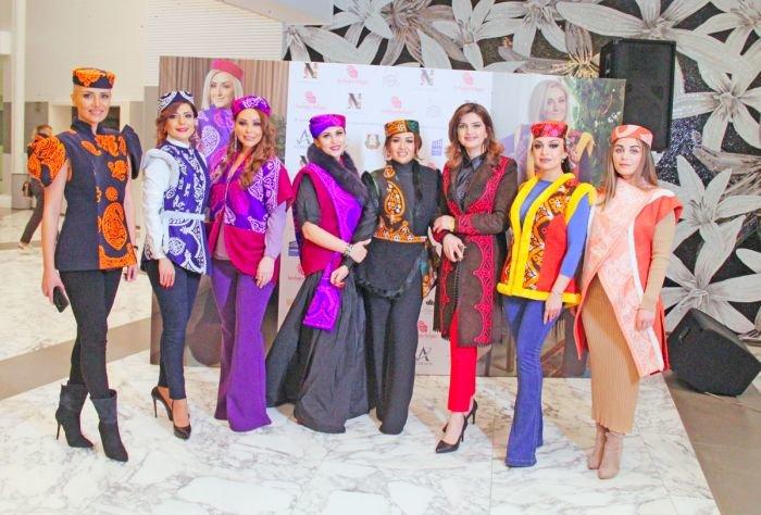 Gülnarə Xəlilovanın kəlağayıdan ibarət geyim kolleksiyasının təqdimatı - FOTO, fotoşəkil-2