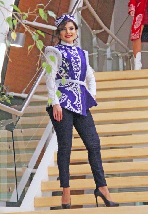 Gülnarə Xəlilovanın kəlağayıdan ibarət geyim kolleksiyasının təqdimatı - FOTO, fotoşəkil-14