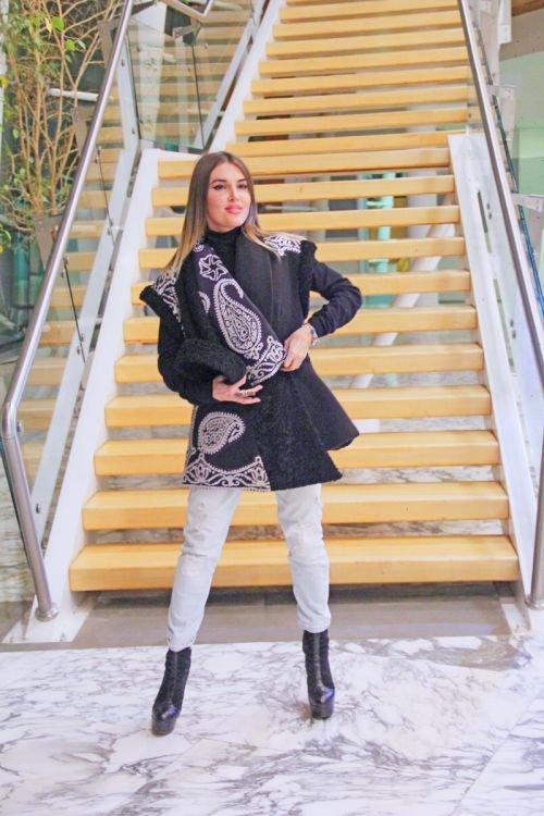 Gülnarə Xəlilovanın kəlağayıdan ibarət geyim kolleksiyasının təqdimatı - FOTO, fotoşəkil-18