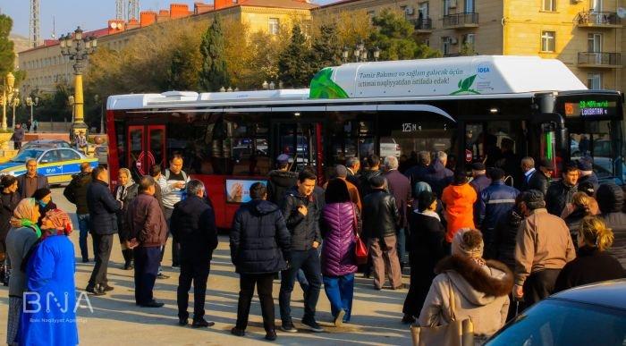 Bakıda 12 metrlik avtobuslar sabahdan istifadəyə verilir - FOTO, fotoşəkil-1