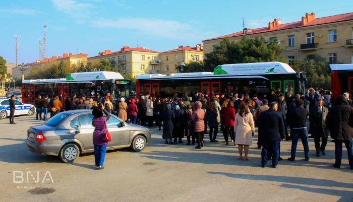 Bakıda 12 metrlik avtobuslar sabahdan istifadəyə verilir - FOTO, fotoşəkil-2