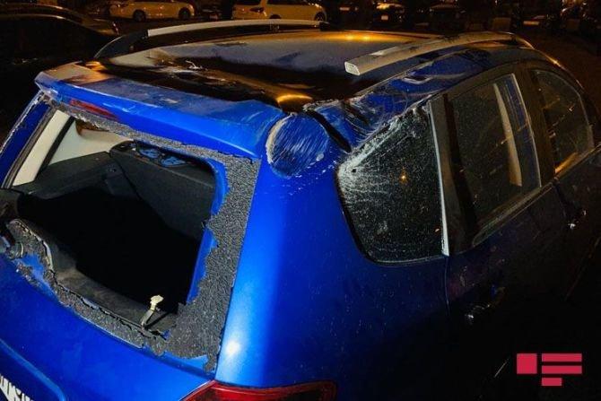 Bakıda qadın sürücü avtomobilini səfirlik maşınının üstünə aşırdı - FOTO, fotoşəkil-2