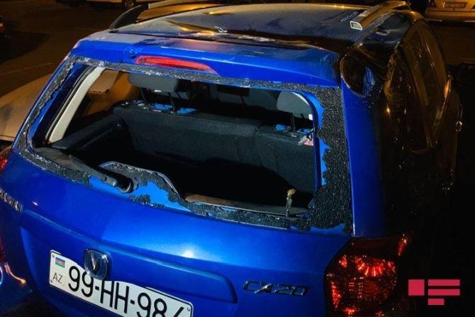 Bakıda qadın sürücü avtomobilini səfirlik maşınının üstünə aşırdı - FOTO, fotoşəkil-4