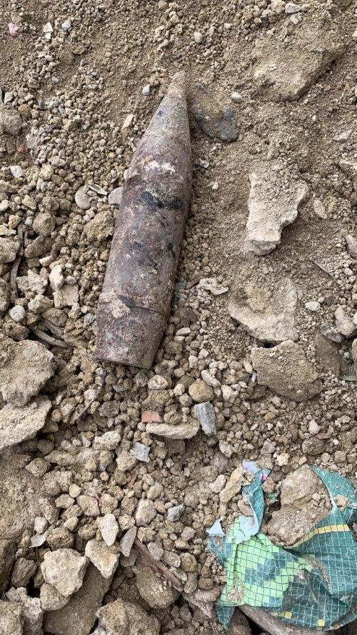 Bakıda binanın zirzəmisində top mərmisi tapıldı - FOTO , fotoşəkil-6