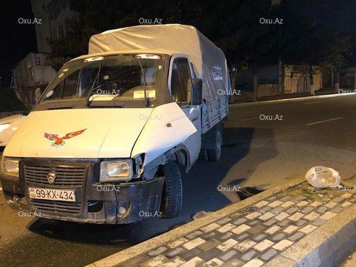 Arxadan gələn maşına yol vermədi: ana və uşağı yaralandı - VİDEO, fotoşəkil-1