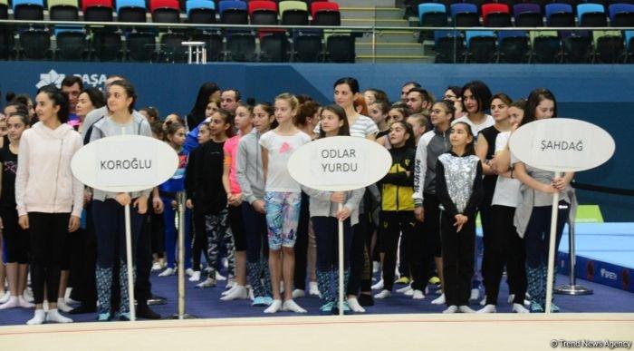 Bakıda Birinci estafet yarışları keçirilib - FOTO, fotoşəkil-1