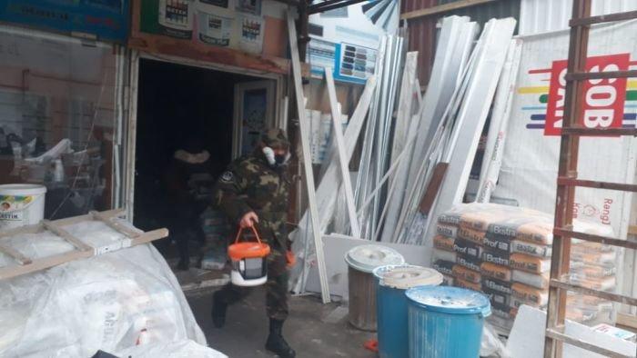 Bakıda tikinti bazarında yanğın söndürüldü: ilkin səbəbi açıqlandı - YENİLƏNİB + FOTO/VİDEO, fotoşəkil-16