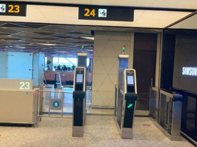 Bakı aeroportunda elektron qapılar quraşdırıldı - FOTO, fotoşəkil-1