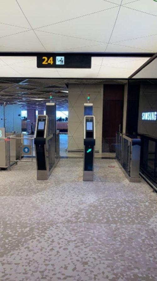 Bakı aeroportunda elektron qapılar quraşdırıldı - FOTO, fotoşəkil-4