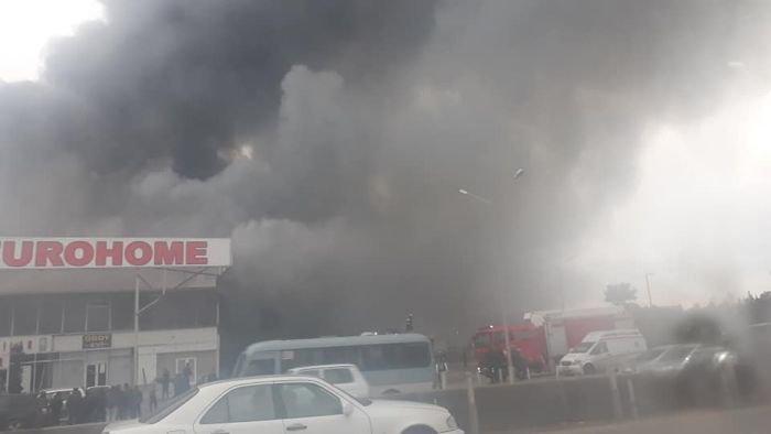 Bakıda tikinti bazarında yanğın söndürüldü: ilkin səbəbi açıqlandı - YENİLƏNİB + FOTO/VİDEO, fotoşəkil-20