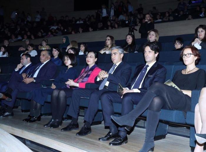 Bakıda əlilliyi olan sənətkarların iştirakı ilə rəqs və musiqi qala tədbiri keçirilib - FOTO, fotoşəkil-8