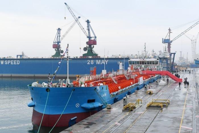 Bakı gəmiqayırma zavodunda inşa olunmuş ilk tanker istismara verildi - FOTO, fotoşəkil-13