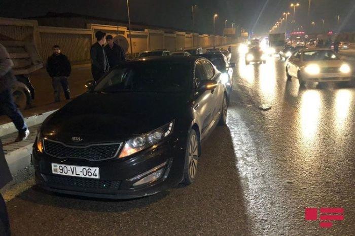 Bakıda zəncirvari qəza: yolda sıxlıq yaranıb - FOTO + VİDEO, fotoşəkil-4