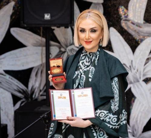 """Gülnarə Xəlilova """"Avropa Nəşr Mətbuat Evi""""nin qızıl medalı ilə təltif edilib - FOTO, fotoşəkil-1"""