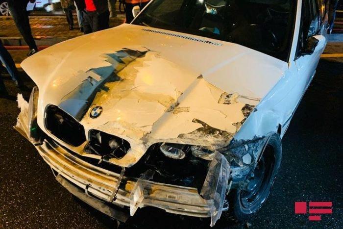 BMW-ni yol kənarında saxlamaq istədi, ağır qəza baş verdi - FOTO + VİDEO, fotoşəkil-4