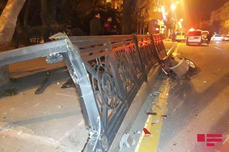 Bakıda 3 avtomobil toqquşdu: yaralı var - FOTO + VİDEO, fotoşəkil-3