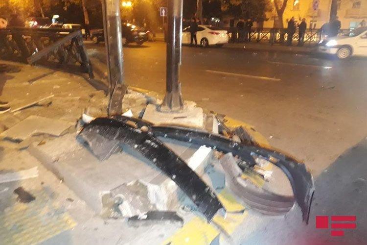Bakıda 3 avtomobil toqquşdu: yaralı var - FOTO + VİDEO, fotoşəkil-6