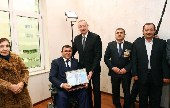 İlham Əliyev Bakıda Qarabağ müharibəsi əlillərinə mənzil verdi - FOTO, fotoşəkil-3