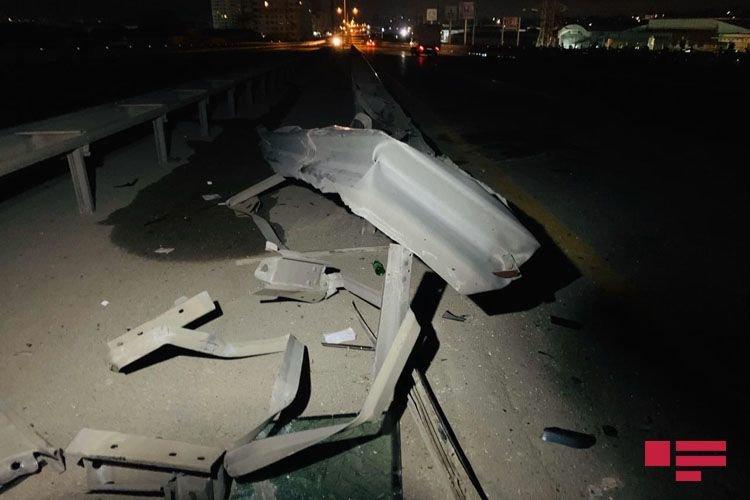"""Bakı-Sumqayıt yolunda ağır qəza: """"Gelandewagen"""" yararsız hala düşdü - FOTO + VİDEO, fotoşəkil-8"""