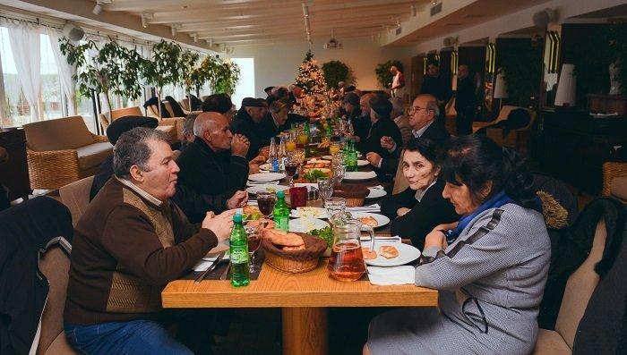 """""""Sea Breeze Resort""""dan qocalar evinin sakinləri üçün Yeni il möcüzəsi - FOTO, fotoşəkil-8"""