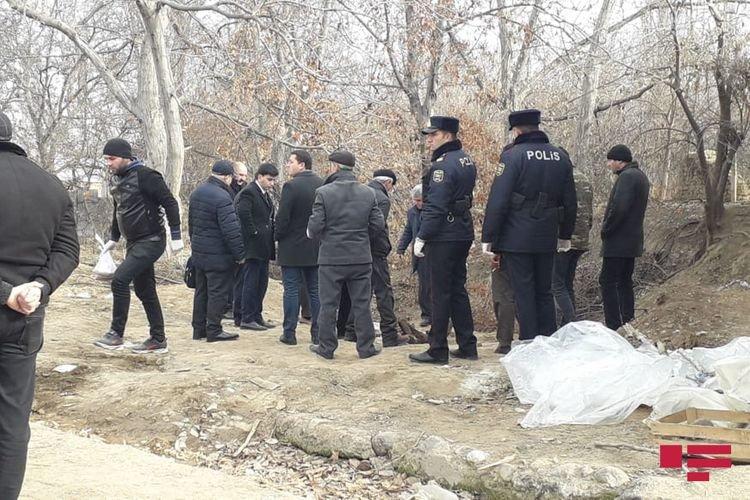 10 yaşlı qızın yanmış meyiti atıldığı ərazidən götürüldü - FOTO, fotoşəkil-3