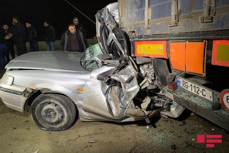Bakıda ağır qəza: Sürücü bu avtomobildən sağ çıxdı - FOTO + VİDEO, fotoşəkil-3