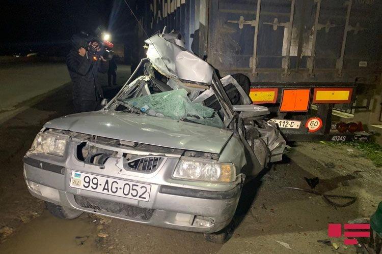 Bakıda ağır qəza: Sürücü bu avtomobildən sağ çıxdı - FOTO + VİDEO, fotoşəkil-4