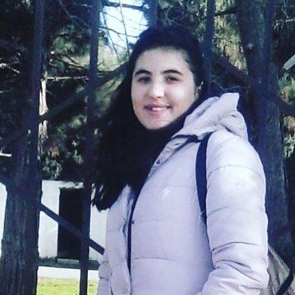 Bakıda 14 yaşlı qız itkin düşüb: Qonşular gecə qapıya taksi gəldiyini görüblər - FOTO, fotoşəkil-1
